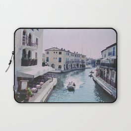 Holiday in the Sun Laptop Sleeve
