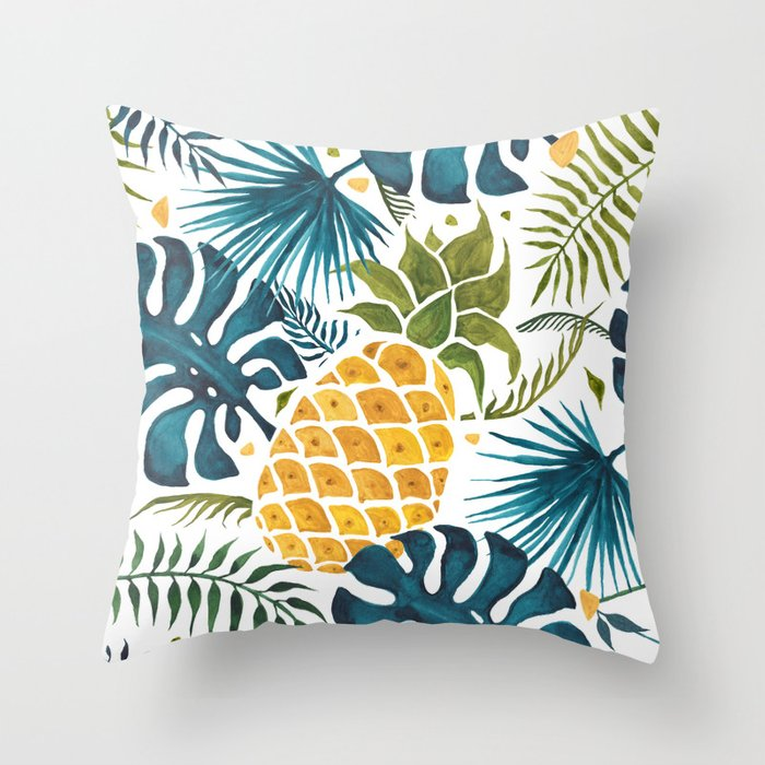 Golden pineapple on palm leaves foliage Deko-Kissen