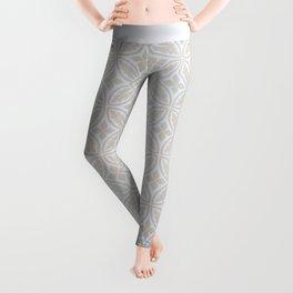 Elegant white ivory geometric quatrefoil pattern Leggings