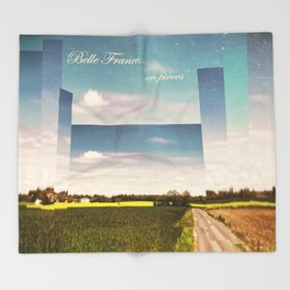 Belle France, en pièces Throw Blanket