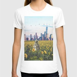 Astronaut in the Field-New York City Skyline T-shirt