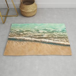 Gentle Ocean Waves Rolling Over a Sandy Beach Rug