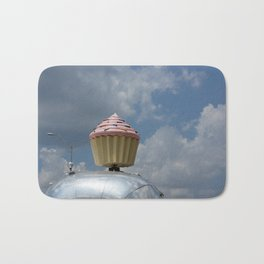 Cupcake Trailer Bath Mat