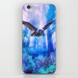 Owl flight iPhone Skin