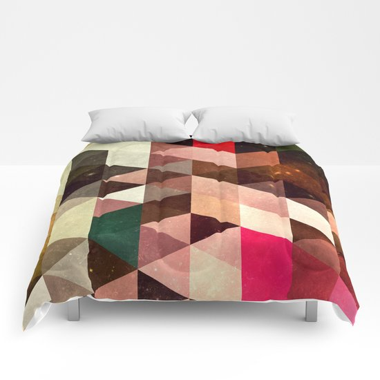 pyrty xyn Comforters