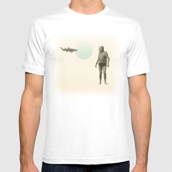 shark bate T-shirt