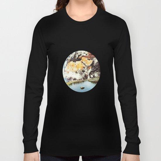 La Terra da un punto di vista privilegiato Long Sleeve T-shirt