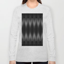 Op-Art Black and White Tribal Arrowhead Pattern Long Sleeve T-shirt