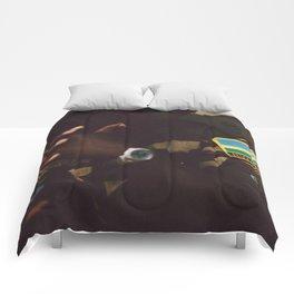 C E A S E F I R E Comforters