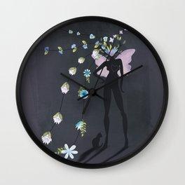 love makes you grow Wall Clock