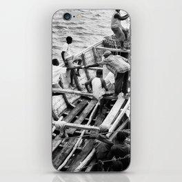 La Décharge iPhone Skin