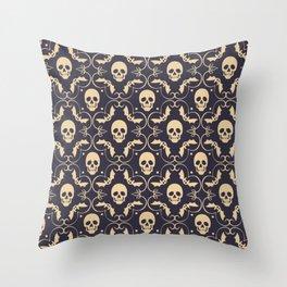 Happy halloween skull pattern Throw Pillow