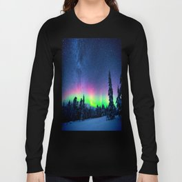 Aurora Borealis Over Wintry Mountains Long Sleeve T-shirt