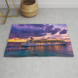 Cruise ship late arrival in Cozumel, Mexico Rug