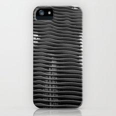 Wavy/Aqua Building Photo, Chicago, Architecture, Black and White Slim Case iPhone (5, 5s)