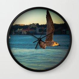 Vers le soleil Wall Clock