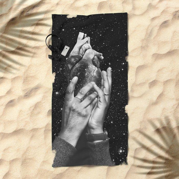 Heart says hold on Beach Towel