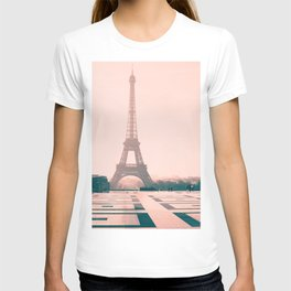 Eiffel tower in the early morning T-shirt