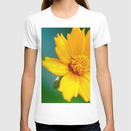 Pretty Golden Flower T-shirt