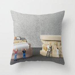 little people brushing teeth Throw Pillow