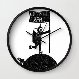 Keep it real Wall Clock