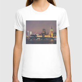 down by the thames ... T-shirt