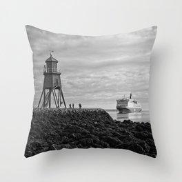 The Herd Groyne Lighthouse, South Shields Throw Pillow