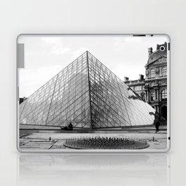 Pyramide de Louvre Laptop & iPad Skin