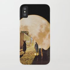 Walking at the moonlight iPhone X Slim Case