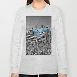 Old blue car Long Sleeve T-shirt