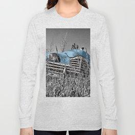 Old blue car Long Sleeve T-shirt