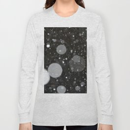 Light in the Dark-Photo of light colored circles on a dark surface Long Sleeve T-shirt