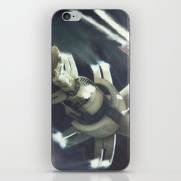 space frigate iPhone Skin