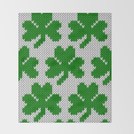 Shamrock pattern - white, green Throw Blanket