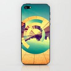 L'Infinito iPhone & iPod Skin