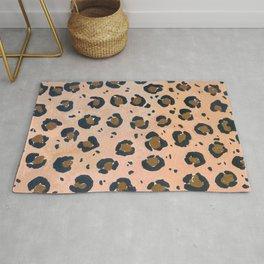 wild animals: leopard pattern Rug