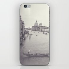 Love in Venezia iPhone & iPod Skin