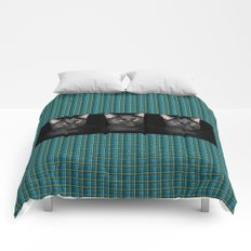 Three black Cats on Plaid Background Comforters