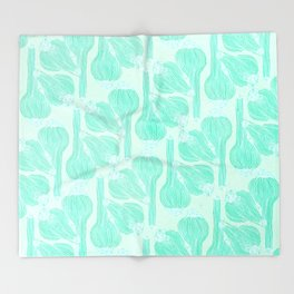 Garlics Pattern in Pastel Green Throw Blanket