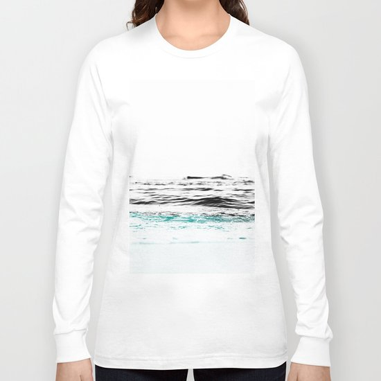 Minimalist ocean waves Long Sleeve T-shirt