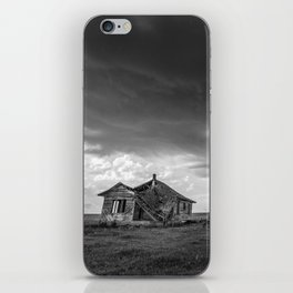 Sweeping Down the Plains - Abandoned House and Storm in Oklahoma iPhone Skin