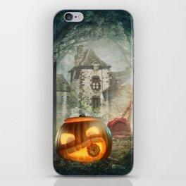 Hallowen old castel iPhone Skin