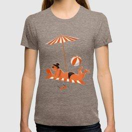 Orange women at the beach T-shirt