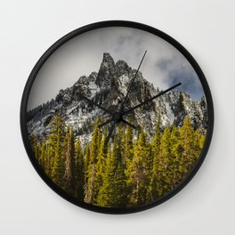 Call of the Wild, Peak in the Forest Wall Clock