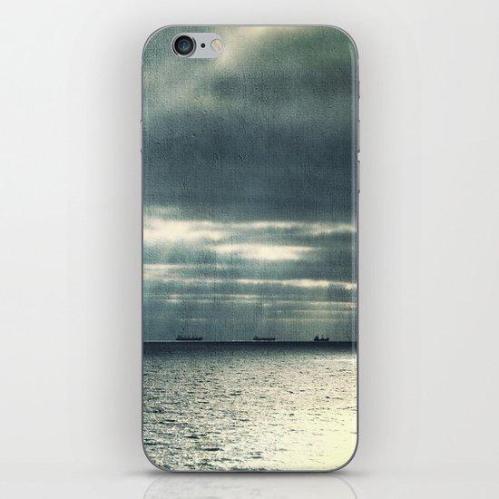 Morning Race iPhone Skin