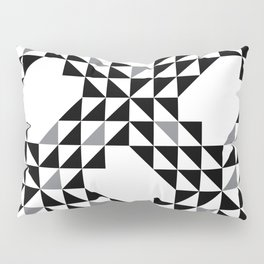 Geometic Ocan Waves White and Black Pillow Sham