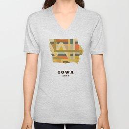 Iowa state map modern Unisex V-Neck