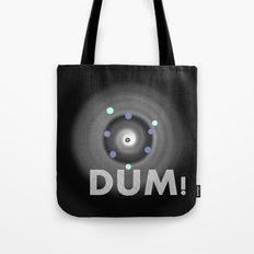 Dum! la onomatopeya del sonido del bajo en el altavoz para bailar Tote Bag