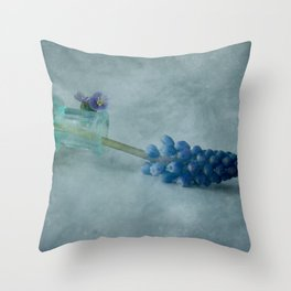 Violette springs forth Throw Pillow