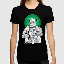 Clovis, the Undead Warrior Queen of Green Falls Tomb T-shirt